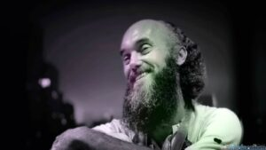 Ram Dass mirė 88 metų amžiaus